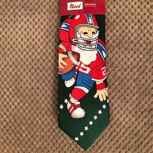 NWT! CHRISTMAS/FOOTBALL TIE